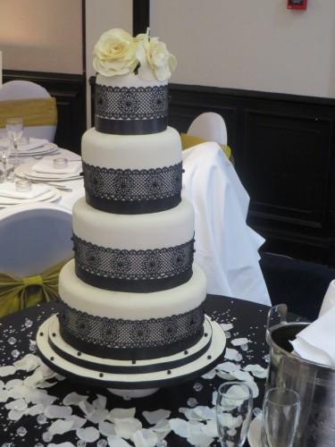 Black Lace Wedding Cake 375x500 The Cakeway